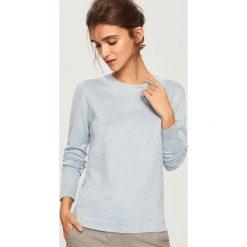 Sweter z perełkami - Niebieski. Niebieskie swetry klasyczne damskie Reserved, l. Za 69,99 zł.