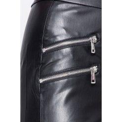 Guess Jeans - Legginsy Hilly. Szare legginsy skórzane marki Guess Jeans, z podwyższonym stanem. W wyprzedaży za 329,90 zł.