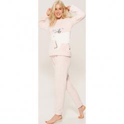 Dwuczęściowa piżama z niedźwiadkiem - Różowy. Czerwone piżamy damskie House, l. Za 89,99 zł.