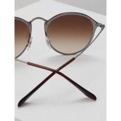 RayBan Okulary przeciwsłoneczne gunmetal. Szare okulary przeciwsłoneczne damskie lenonki marki Ray-Ban. Za 619,00 zł.