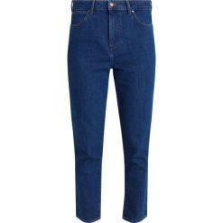 Wrangler RETRO SLIM Jeansy Relaxed Fit retro dark. Niebieskie rurki damskie Wrangler. Za 299,00 zł.