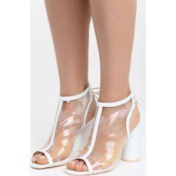 Białe Sandały Wild Silence. Białe sandały damskie na słupku Born2be, z materiału, na wysokim obcasie. Za 89,99 zł.