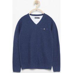 Odzież chłopięca: Sweter z dekoltem w serek – Granatowy