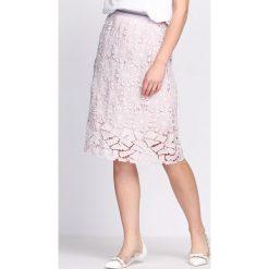 Jasnoróżowa Spódnica I See Everything. Czerwone spódniczki Born2be, na lato, m, midi. Za 79,99 zł.