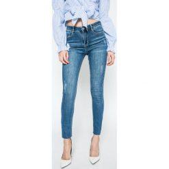 Missguided - Jeansy. Niebieskie jeansy damskie marki Missguided, z bawełny. W wyprzedaży za 89,90 zł.