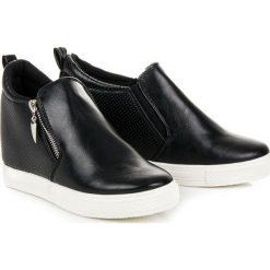 Buty ślubne damskie: Ażurowe trampki na koturnie KENZIE