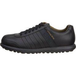 Camper PELOTAS XL Sznurowane obuwie sportowe black. Czarne halówki męskie Camper, ze skóry, na sznurówki. W wyprzedaży za 503,20 zł.