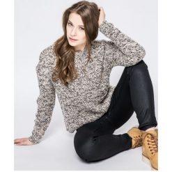 Noisy May - Sweter. Szare swetry klasyczne damskie marki Noisy May, l, z dzianiny, z okrągłym kołnierzem. W wyprzedaży za 69,90 zł.