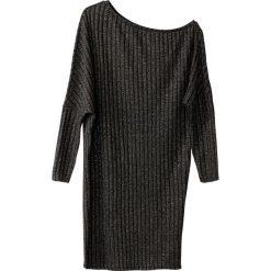 Długie sukienki: Prosta gładka sukienka midi z długim rękawem