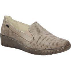 Beżowe półbuty slip on skórzane ażurowe na koturnie Helios 350. Brązowe buty ślubne damskie Helios, w ażurowe wzory, na koturnie. Za 188,99 zł.