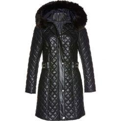 Płaszcz pikowany z materiału w optyce sztucznej skóry bonprix czarny. Czarne płaszcze damskie pastelowe bonprix, ze skóry. Za 319,99 zł.