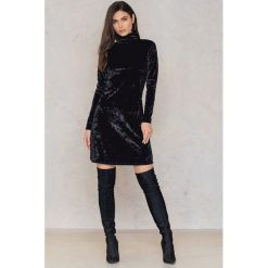 Sukienki: NA-KD Party Aksamitna sukienka ze stójką - Black
