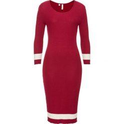Sukienka dzianinowa bonprix ciemnoczerwony. Czerwone sukienki balowe bonprix, z dzianiny, dopasowane. Za 109,99 zł.