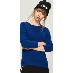 Sweter basic - Niebieski. Niebieskie swetry klasyczne damskie Sinsay, l. Za 39,99 zł.