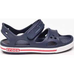 Crocs - Sandały dziecięce. Niebieskie sandały chłopięce Crocs, z materiału. W wyprzedaży za 99,90 zł.