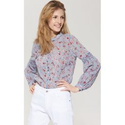 Koszule wiązane damskie: Wzorzysta koszula z rozszerzanymi rękawami - Wielobarwn