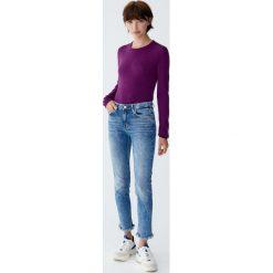 Jeansy skinny fit z suwakami u dołu. Niebieskie jeansy damskie relaxed fit Pull&Bear. Za 139,00 zł.