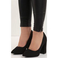 Czarne Czółenka Tell Me. Czarne buty ślubne damskie marki Born2be, ze szpiczastym noskiem, na słupku. Za 69,99 zł.