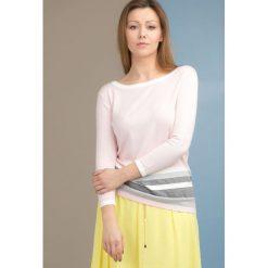 Swetry klasyczne damskie: Sweter z wiązaniem na plecach