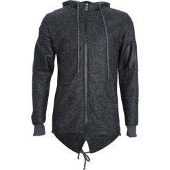 Czarna Bluza Striving. Czarne bluzy męskie rozpinane marki Born2be, l, z aplikacjami, z dresówki. Za 49,99 zł.