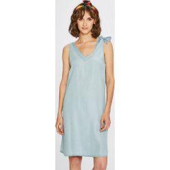 Noisy May - Sukienka. Szare sukienki mini marki Noisy May, na co dzień, l, z lyocellu, casualowe, proste. W wyprzedaży za 119,90 zł.