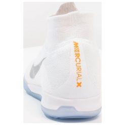 Nike Performance SUPERFLYX 6 ELITE IC Halówki white/metallic cool grey. Białe buty skate męskie Nike Performance, z gumy, do piłki nożnej. W wyprzedaży za 559,20 zł.