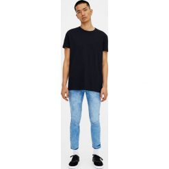 Jeansy super skinny fit. Czarne jeansy męskie relaxed fit marki Pull&Bear, m. Za 69,90 zł.