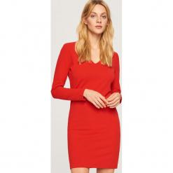 Dzianinowa sukienka - Czerwony. Czerwone sukienki dzianinowe marki Reserved, l. Za 119,99 zł.