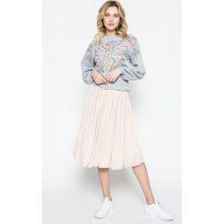Missguided - Bluza. Szare bluzy damskie marki Missguided, z bawełny, bez kaptura. W wyprzedaży za 99,90 zł.