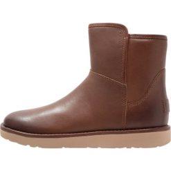 UGG ABREE MINI  Botki bruno. Brązowe buty zimowe damskie Ugg, z futra. Za 939,00 zł.