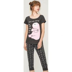 Dwuczęściowa piżama z nadrukiem - Szary. Szare piżamy damskie marki Sinsay, l, z motywem z bajki. Za 59,99 zł.