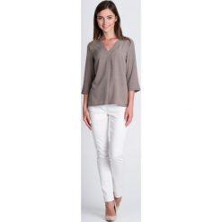 Bluzki damskie: Beżowa bluzka w groszki z dekoltem V QUIOSQUE