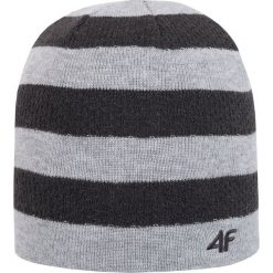 Czapka męska CAM204Z - jasny szary melanż - 4F. Szare czapki zimowe męskie 4f, na jesień, melanż, z materiału. Za 22,99 zł.