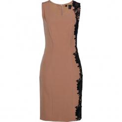 Sukienka shape z koronką bonprix wielbłądzia wełna. Brązowe sukienki koronkowe marki bonprix, w koronkowe wzory, dopasowane. Za 99,99 zł.