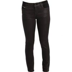 Armani Exchange Jeans Skinny Fit black denim. Czarne jeansy damskie marki Armani Exchange, l, z materiału, z kapturem. W wyprzedaży za 367,95 zł.