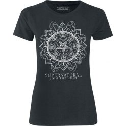 Supernatural Join The Hunt Koszulka damska czarny. Czarne bluzki z odkrytymi ramionami Supernatural, l, z nadrukiem, z dekoltem na plecach. Za 79,90 zł.