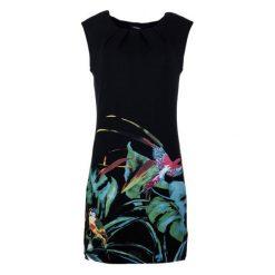 Desigual Sukienka Damska S Czarny. Czarne sukienki letnie Desigual, na co dzień, s, w kolorowe wzory, z materiału, z okrągłym kołnierzem. W wyprzedaży za 229,00 zł.