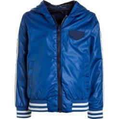 3 Pommes FUTURE IS MINE BLOUSON HOODED Kurtka przejściowa blue royal. Niebieskie kurtki chłopięce przejściowe marki 3 Pommes, z materiału. Za 209,00 zł.