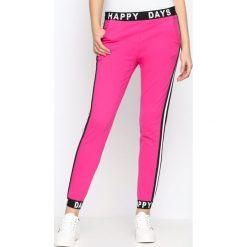 Spodnie dresowe damskie: Fuksjowe Spodnie Dresowe Happy Days