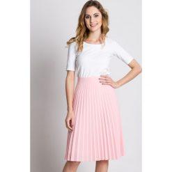 Plisowana różowa spódnica z podszewką BIALCON. Czerwone spódniczki marki BIALCON. W wyprzedaży za 167,00 zł.