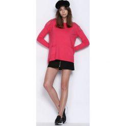 Koralowy Sweter Cherry Lips. Czerwone swetry klasyczne damskie marki Born2be, l, z koronki, z okrągłym kołnierzem. Za 64,99 zł.