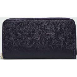 Answear - Portfel skórzany. Czarne portfele damskie ANSWEAR, z materiału. W wyprzedaży za 79,90 zł.