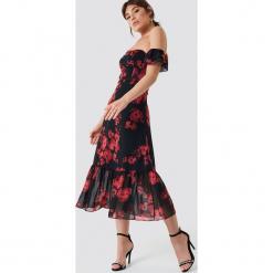 Trendyol Sukienka midi z odkrytymi ramionami - Black,Multicolor. Sukienki małe czarne marki Reserved, z odkrytymi ramionami. Za 262,95 zł.