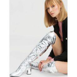 Srebrne Kozaki Go Into Your Mind. Szare buty zimowe damskie marki vices, z materiału, na wysokim obcasie, na obcasie. Za 159,99 zł.
