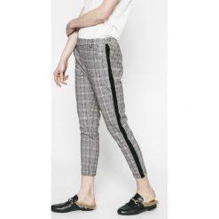 Answear - Spodnie Sporty Fusion. Szare rurki damskie ANSWEAR, z dzianiny, z podwyższonym stanem. Za 99,90 zł.