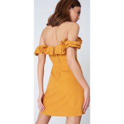 Sukienki: Lioness Sukienka z falbaną Pendevous – Orange
