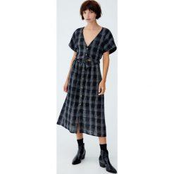 Dwuczęściowa sukienka midi. Szare sukienki Pull&Bear, midi. Za 96,90 zł.