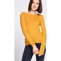 Żółty Sweter Out Action. Żółte swetry klasyczne damskie Born2be, l, z dekoltem w łódkę. Za 49,99 zł.