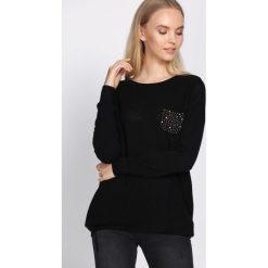 Czarny Sweter Daydream. Czarne swetry klasyczne damskie Born2be, l, z okrągłym kołnierzem. Za 49,99 zł.