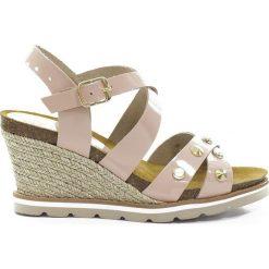 Rzymianki damskie: Skórzane sandały w kolorze cielistym
